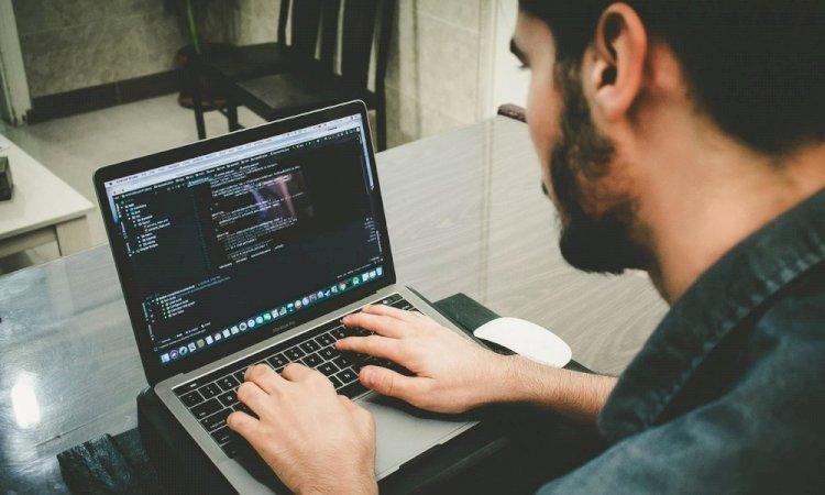 NOTICIASLenguajes de programación: Javascript es el más utilizado y Kotlin el que más crece